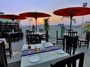 87450-tiger-one-hotel-mdl-dinning-room-1.jpg