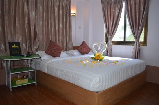 8ac0f-royal-diamond-hotel-mdl-room-3.jpg