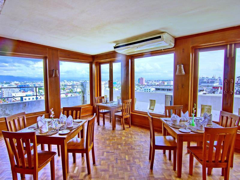 8bff4-shwe-ingyinn-hotel-mdl-dinning-room-2.jpg