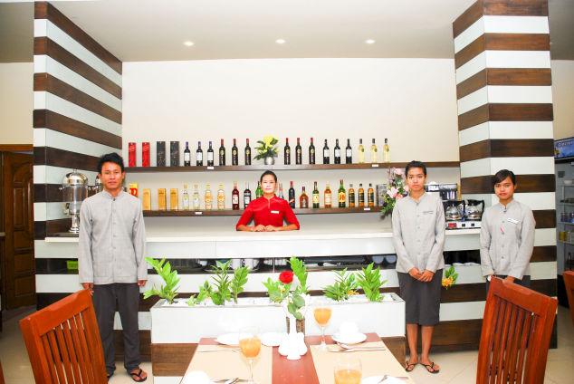 8f274-pleasant-view-hotel-Bar.jpg