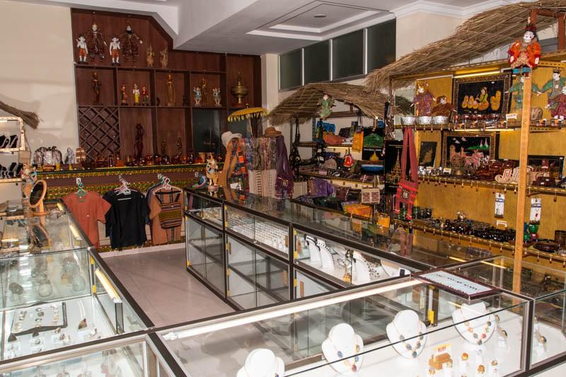 8fa29-Hotel-Yadanarbon-Shop.jpg
