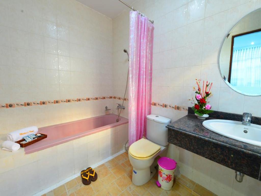 91aa7-Mother-Home-Bath.jpg