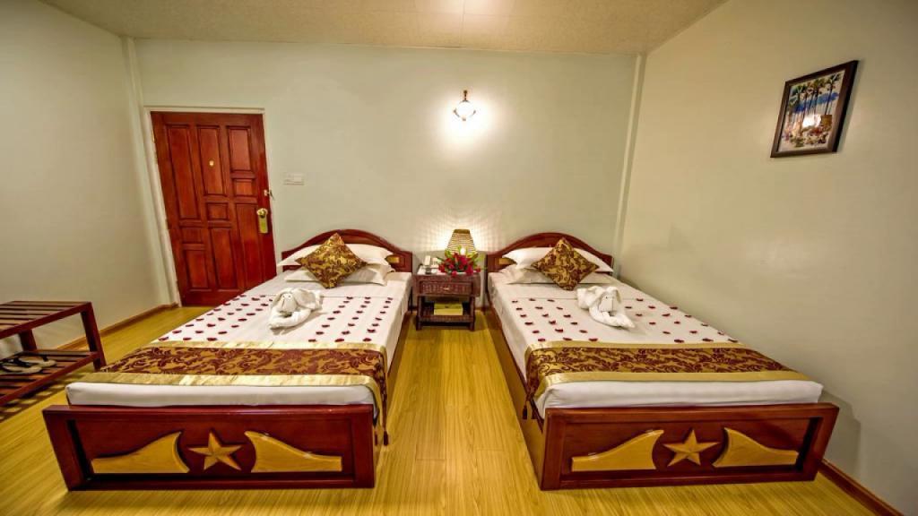 966de-mega-stars-hotel-mdl-room-3.jpg