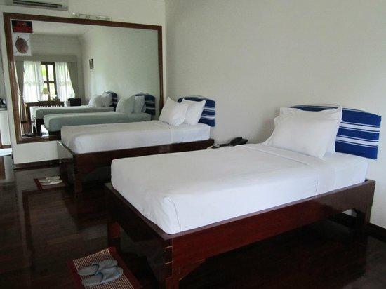 9b54e-myanmar-life-hotel.DBL-01jpg.jpg