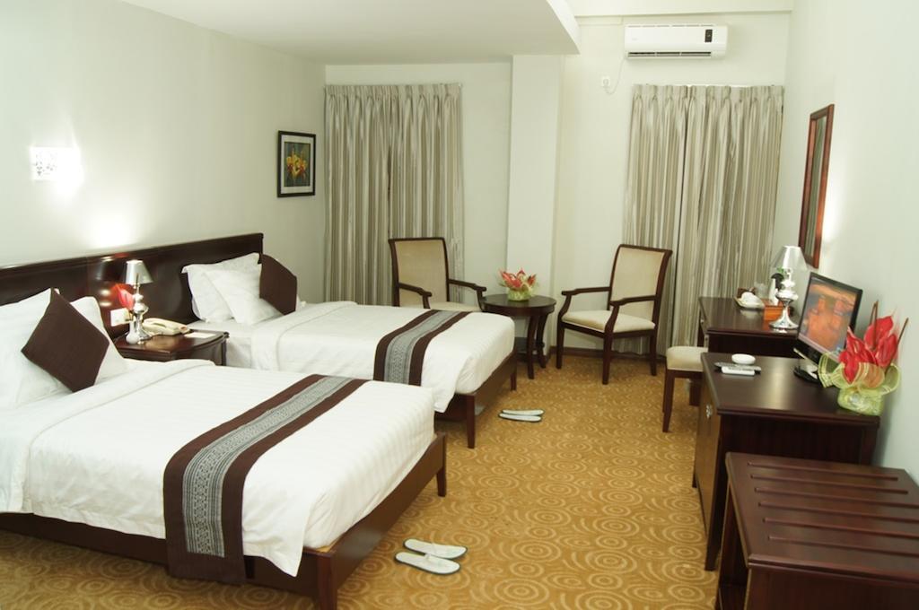 a1c28-green-leaf-room-1.jpg