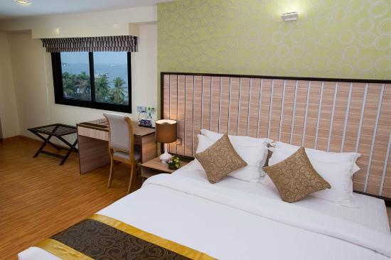a1fa8-uptown-hotel-room2.jpg
