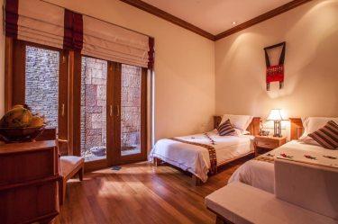a736b-Hotel-Red-Canal-Kachin-Room1.jpg