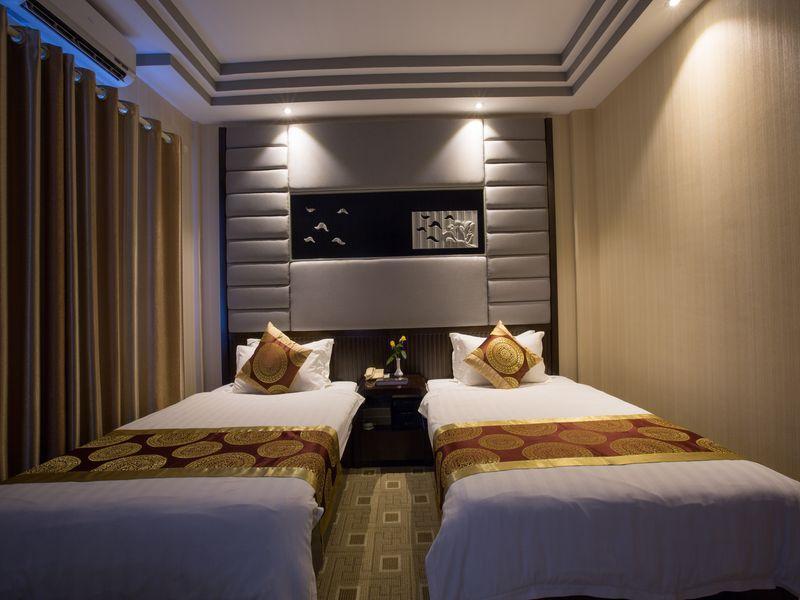 ad03d-sein-sein-hotel-mdl-room-4.jpg