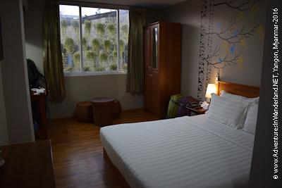 b111d-Merchant-art-hotel-room-1.jpg