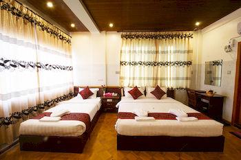 b5190-taw-win-myanmar-hotel-room-3.jpg