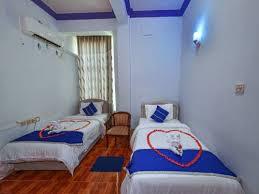 b5299-shwe-hnin-si-hotel-room-2.jpg