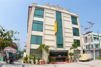 b7035-AD1-Hotel-View.jpg