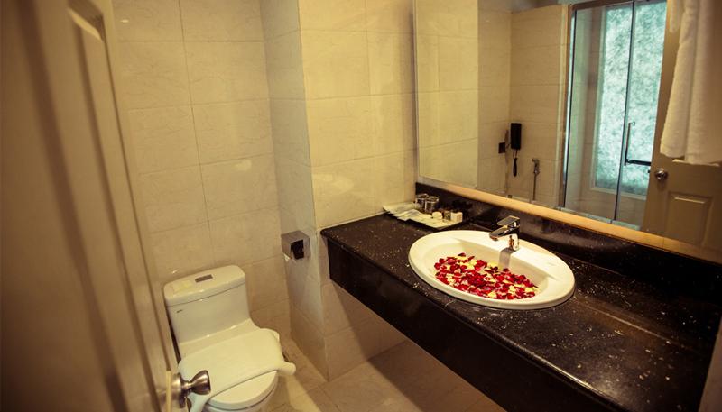 ba279-Hotel-Hazel-Face-Room.jpg