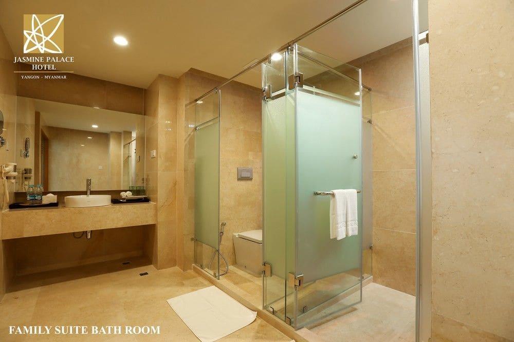 bf601-Jasmine-Palce-Shower-Room.jpg