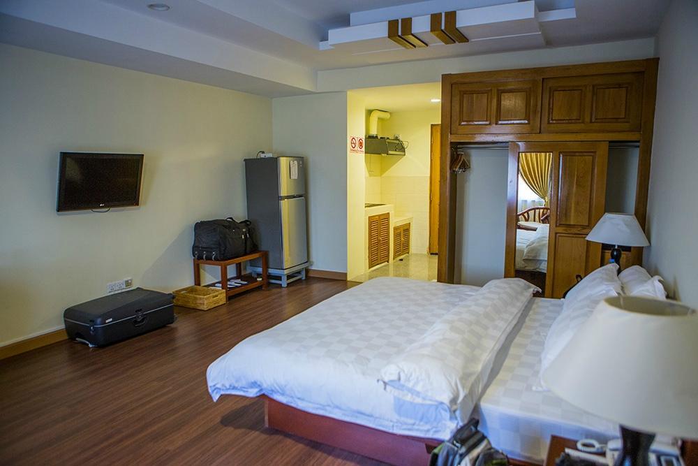 bfd85-shwe-htee-hotel.DBL-Best.jpg