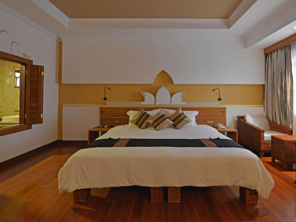 c0522-Ananta-Inle-DBL-Room.jpg