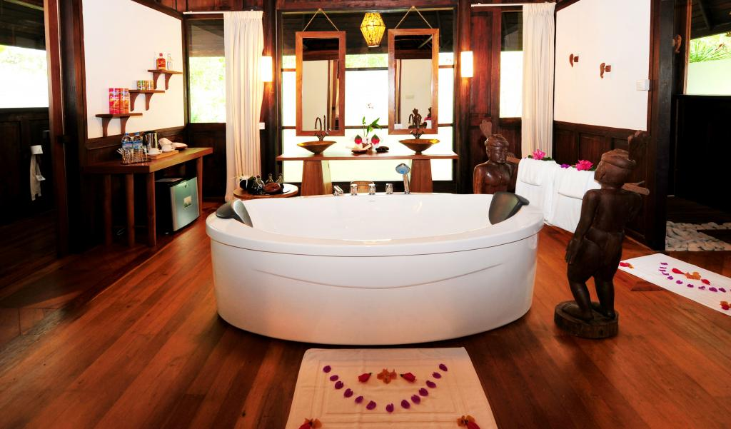 c0e3f-Bathroom-at-Villa-Inle.jpg