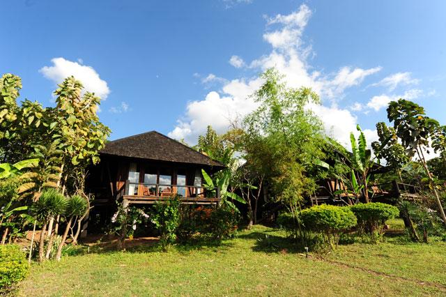 c1524-Villa-Inle-Resort.jpg