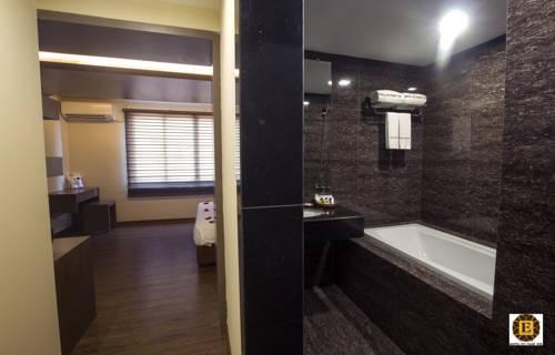ca8d2-Hotel-Pyi-thar-Yar-Bath.jpg