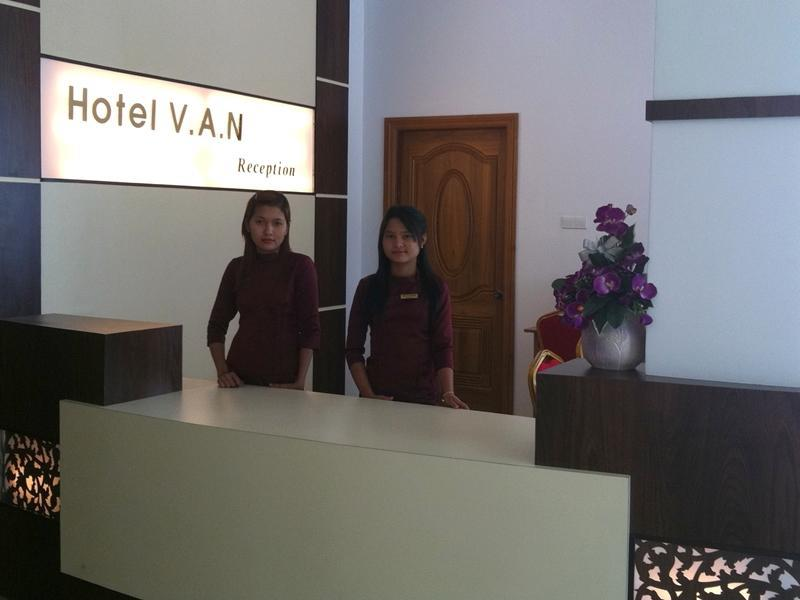 cbbc6-Hotel-V.A.N-Reception.jpg