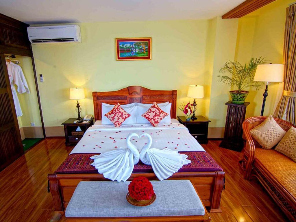 dfd66-shwe-ingyinn-hotel-mdl-room-3.jpg