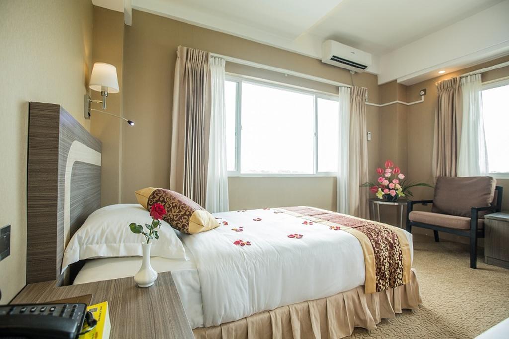 e2ccb-Hotel-Hazel-DBL-Room.jpg