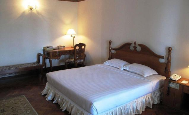 e6355-Yuzana-garden-hotel-room-3.jpg