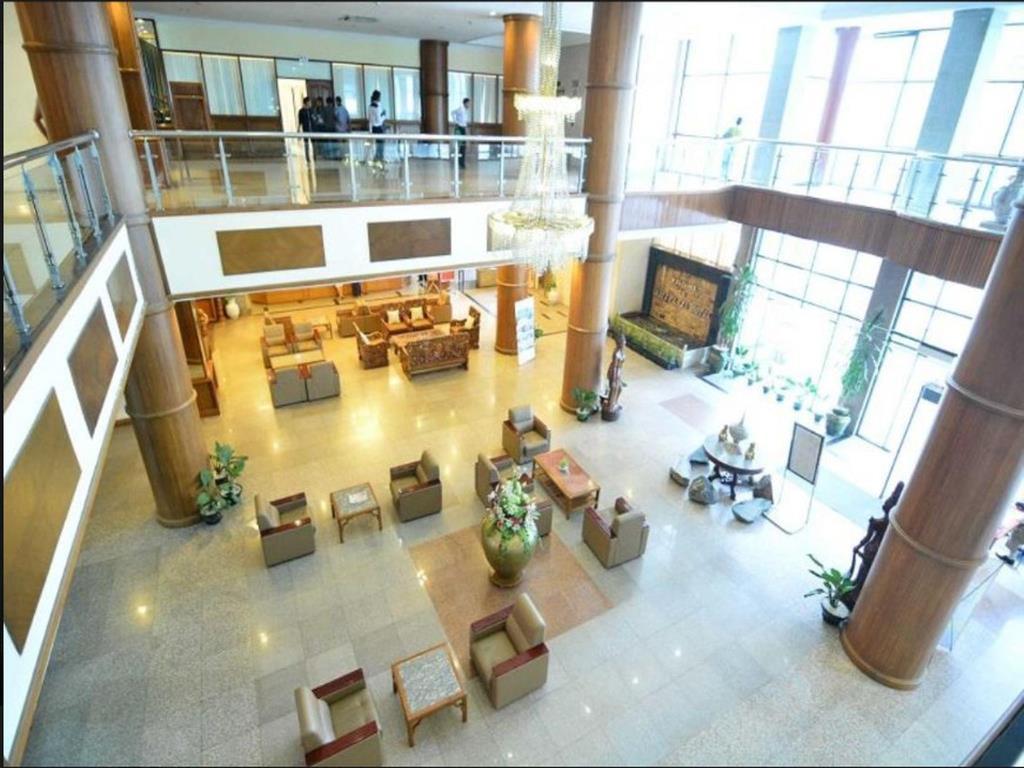 e9561-Asia-Plaza-Lobby.jpg