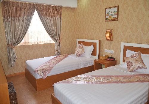 ed4eb-hotel-kk-room-5.jpg