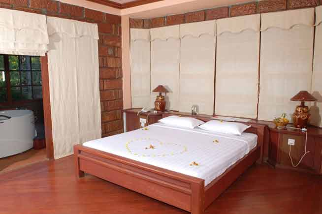 eec6b-bagan-princess-hotel-room1.jpg