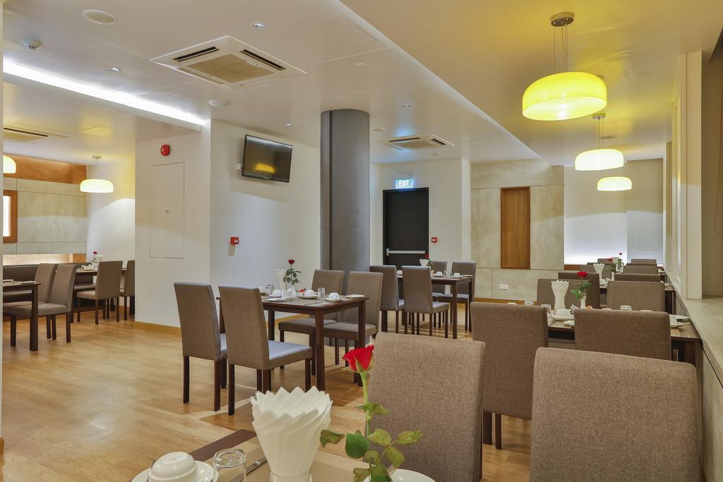 efb23-Hotel-83-Breakfast.jpg