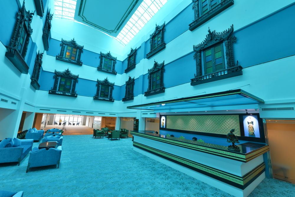 f1470-Hotel-Marvel-Lobby.jpg