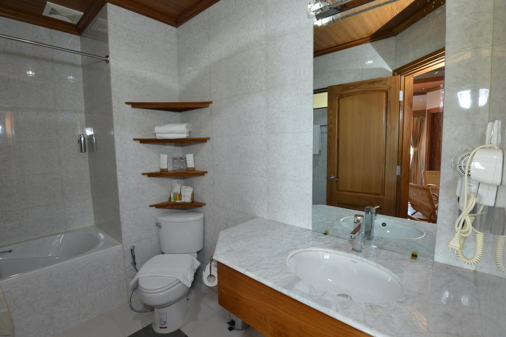 f375c-Hotel-Siden-y--Bath-Room.jpg